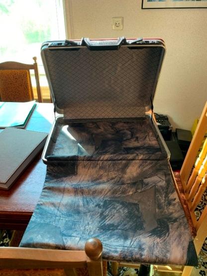 """Куфарът, в който стои заключен """"Златният Коран"""""""